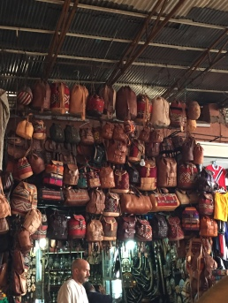 Sacs en cuir, souk de Marrakech